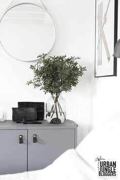 BEELDSTEIL.com Cozy and Green Bedroom #urbanjunglebloggers #november #green