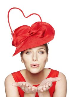 Siri (passion4hats) love the heart shaped hat #millinery #judithm #hats