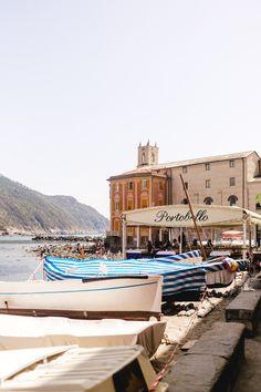 Big Black Car, Black Cars, Cinque Terre, Sestri Levante, Places Worth Visiting, Places To Go, Building, Travel, Holidays