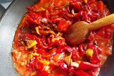 Mancare de post - tocanita de cartofi cu ardei copt Ratatouille, Thai Red Curry, Salsa, Bacon, Good Food, Vegetarian, Pastel, Beef, Stuffed Peppers