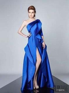 Divina by Edward Arsouni Herbst/Winter - Pret-a-porter Couture Mode, Style Couture, Couture Fashion, I Dress, Dress Outfits, Fashion Dresses, Dress Long, Satin Dresses, Nice Dresses