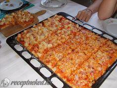 Extra nagy tepsis pizza - Kelesztéssel együtt is csak 35 perc Pizza Recipes, Cake Recipes, Pita Pizzas, Macaroni And Cheese, Sandwiches, Brunch, Food And Drink, Favorite Recipes, Toast