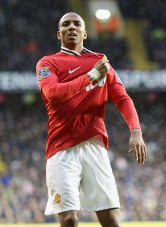 Ashley Young celebrates at Tottenham v United 1-3 match
