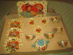 Tin Ohio Art Tea Set 034 Queen of Hearts 034 Circa 1940 039 s 14 PC | eBay sold for $395 1/2015