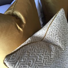 Love these gold fabrics #cushions #interiordesign #interiorstyling #luxuryinteriors #laurahammett