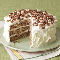 Southern Classic: Hummingbird Cake The Original Hummingbird Cake Recipe Originally submitted by Mrs. Wiggins of Greensboro, North Carolina in our February 1978 issue, this Hummingbird Cake recip(Spice Cake Recipes) Holiday Desserts, Just Desserts, Delicious Desserts, Yummy Treats, Sweet Treats, Dessert Recipes, Holiday Cakes, Delicious Cupcakes, Dessert Bread