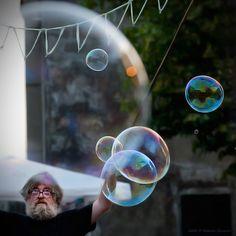 L'uomo delle bolle