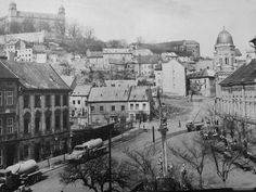 Bratislava, Old Town, Old Photos, Paris Skyline, Arch, The Past, Travel, Painting, Outdoor