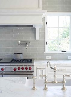 Smoke gray backsplash + white cabinets and carrera marble countertops! Smoke gray backsplash + white cabinets and carrera marble countertops! Glass Subway Tile Backsplash, White Kitchen Backsplash, Glass Kitchen, Kitchen Tiles, New Kitchen, Marble Counters, Backsplash Ideas, Backsplash Design, Tile Ideas
