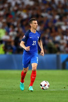 Laurent Koscielny Photos - Laurent Koscielny of France runs with the ball during the UEFA EURO 2016 semi final match between Germany and France at Stade Velodrome on July 2016 in Marseille, France. - Germany v France - Semi Final: UEFA Euro 2016 Arsenal Fc, Uefa European Championship, European Championships, Laurent Koscielny, Uefa Euro 2016, Semi Final, Finals, Germany, Soap