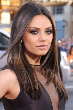 Red carpet hairstyle. Straight hair - Mila Kunis. Celebrity hairstyle.