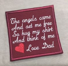 Gifts for dad from adult guys 33 Super Ideas Memory Pillow From Shirt, Memory Pillows, Memory Quilts, Memorial Ornaments, Memorial Gifts, Sewing Hacks, Sewing Crafts, Sewing Projects, Memories Quotes