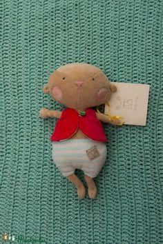 Pocok - plüss játék (TVAgi) - Meska.hu Christmas Ornaments, Holiday Decor, Diy, Home Decor, Products, Xmas Ornaments, Do It Yourself, Decoration Home, Bricolage