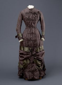 Fashions From History - Late 1870's Hull Museum.