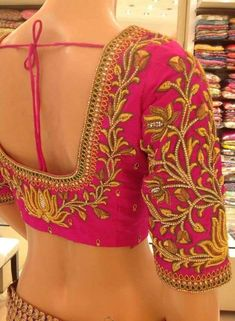 All Ethnic Customization with Hand Embroidery & beautiful Zardosi Art by Expert & Experienced Artist That reflect in Blouse , Lehenga & Sarees Designer creativity that will sunshine You & your Party Worldwide Delivery. Hand Work Blouse Design, Simple Blouse Designs, Stylish Blouse Design, Aari Work Blouse, Pattu Saree Blouse Designs, Blouse Designs Silk, Bridal Blouse Designs, Saris, Latest Maggam Work Blouses