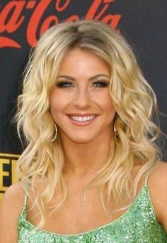 I would love it if my hair had waves like this..love the color too!!!