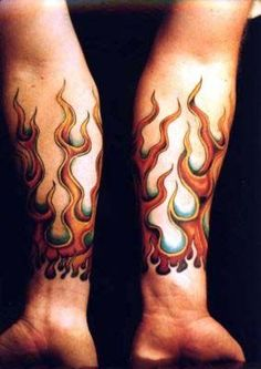 Bilderesultat for flames on wrist tattoos Skull Tattoos, Forearm Tattoos, Sexy Tattoos, Body Art Tattoos, Sleeve Tattoos, Tattoos For Guys, Cool Tattoos, Tattoo Ink, Tattoo Drawings