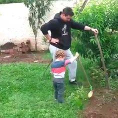 Un padre es y será siempre ejemplo para sus hijos. Cuida el ejemplo que les trámites.💛👍🙎 Si te gustó 😉 comenta y comparte. Gracias. 👍