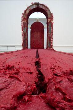 Anish Kapoor, Svayambh, Installation at the Royal Academy of Arts, London. Abstract Sculpture, Sculpture Art, Art Furniture, Instalation Art, Anish Kapoor, Royal Academy Of Arts, Grand Palais, Land Art, Conceptual Art