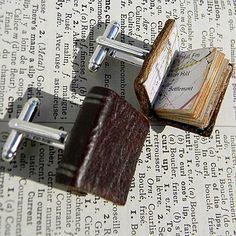 Boutons de manchette livres en cuir