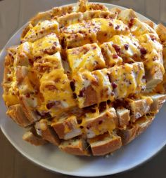 Cheese & Bacon Ranch Pull-Apart Bread and other delicious Super Bowl recipes on www.soupbowlrecipes.com