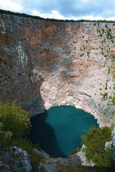 Van de wereldberoemde UNESCO Plitvicemeren tot de onontdekte Karst meren in Dalmatië: in Kroatië geniet je van veel natuurschoon.
