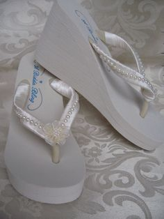 4c7e9d3ae191 Ivory Flip Flops or White Flip Flops Bridal Flip Flops Sandals with Pearls  and Flowers
