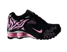Fuse combinational fabric materials and the durable rubber sole, the Nike Shox R4 Torch Womens Shoes Black Pink provides ultra comfortable feeling and safe protection for the wearer. The streamlined contour make the shoe looks simple and more suitable for the natural shape of the foot during the sports time. Four shox columns install the heel are made from elastic rubber that will absorb the impact force effectively.