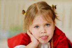 Riekanky sú vhodným nástrojom pri rozvíjaní detskej reči. Ak však máte podozrenie na vážnejší problém, nenechávajte to na náhodu a ukážte dieťa logopédovi. Home Learning, Baby Play, Kids And Parenting, My Girl, Activities, Education, Children, Montessori, Raising
