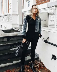 We love this look from babe Katrien! She stays warm and fashionable in our Shearling denim jacket!