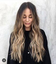 47 ideas for light brown hair color with highlights Trend bob hairstyles 2019 - 47 Ideen für hellbraune Haarfarbe mit Highlights Brown Hair Balayage, Brown Blonde Hair, Brown Hair With Highlights, Hair Color Highlights, Hair Color Balayage, Brown Hair Colors, Lowlights For Brown Hair, Brown Beach Hair, Bayalage Light Brown Hair