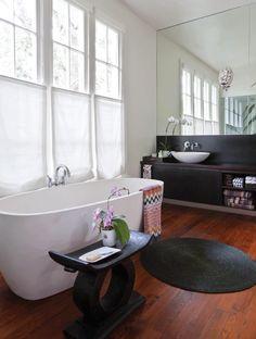 That bath tub!