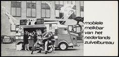 """Deze foto is genomen voor het gebouw van, ínternationaal instituut voor luchtcartering"""" aan de Kanaalweg in Delft . in de jaren """"60.Het is een paar jaar geleden afgebroken."""