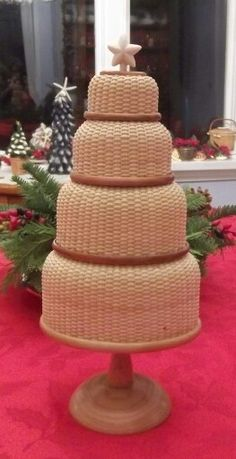 Gorgeous! ! Christmas Baskets, Christmas Holidays, Merry Christmas, Christmas Decorations, Basket Weaving Patterns, Nantucket Baskets, Old Baskets, Basket Ideas, Wonderful Things