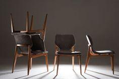 Cadeira de Jantar sua estrutura em madeira maciça com encosto anatômico multilaminado. TECIDO * - 7000 Altura do assento até o chão 0,49 m. MEDIDA DISPONÍVEL: Altura: 0,85 m Largura: 0,49 m Profundidade: 0,61 OBS: Não aconselhamos a fazer co...