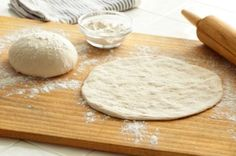 Parmesan pizza dough is a favorite of my family! Everyone loves the flavor of the cheese in this Parmesan thin crust pizza dough recipe. It is also so easy to Pizza Legal, Pizza Recipes, Cooking Recipes, What's Cooking, Best Pizza Dough Recipe, Thin Crust Pizza, Home Made Pizza Crust, Food Network Recipes, Food Dishes