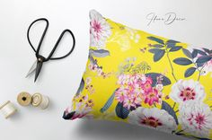 by Pink Linen on Exquisite design Luxury Bloom , launched! Vibrant yet subtle and elegant elements with large florals developed into a seamless patterns. Graphic Design Tips, Graphic Patterns, Graphic Art, Pattern Design, Print Design, Pattern Illustration, Textures Patterns, Textured Background, Vibrant