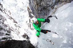 """Dominik Kubica na trzecim wyciągu """"Oczy pełne lodu"""" w dol. Białej Wody. Photography: Adam Kokot"""