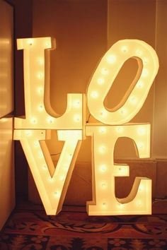 deco for wedding reception Light Up Love Sign, Love And Light, Love Signs, Neon Signs, Marquee Lights, Marquee Letters, Sign Letters, Battery Lights, Shades Of Yellow