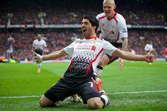 Suarez celebrates vs united 3 - 0 win 2014