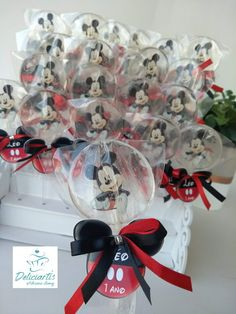 Isomalt, Mickey Party, Mickey Mouse Birthday, Homemade Lollipops, Mickey Mouse Party Decorations, Lollipop Recipe, Fiesta Mickey Mouse, Chocolate Covered Treats, Healthy Candy