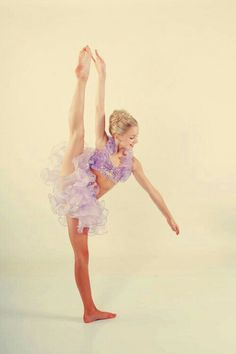 Chloe Lukasiak, an awesome ballet and contemporary dancer from dance moms