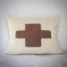 Coussin bi-matière en tricot jacquard et toile coton ivoire esprit scandinave : Textiles et tapis par au-coeur-des-choses