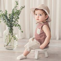 #여름코디  여름같은 날씨가 계속되네요😁 옷장에 여름옷은 아기때 입던거라 다 작아지고 😭 이제 또 여름옷 샤핑하러 가야할 시간인가요?🤭 브라운, 블루, 민트 어떤 셋트가 날찌  결정장애 엄마 또 또 고민중이네유😆♥️ . . . 내아이의 빛나는 순간… Cute Kids, Hats, Vintage, Style, Fashion, Swag, Moda, Hat, Fashion Styles