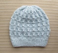 Free Knitting Pattern: Hat in Bluebell Rib Stitch