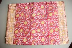 Lot of 4 Pottery Barn Floral Pink Gold India Placemats 2006 EUC!