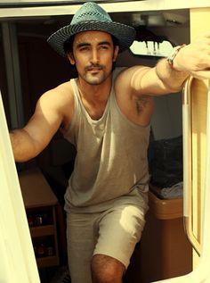 Shirtless Bollywood Men: Kunal Kapoor