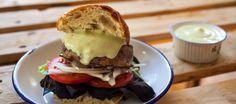 Picar, formar y a la sartén  hacer una hamburguesa casera no tiene más…