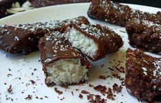 Milujete bounty alebo iné kokosové tyčinky a snažíte sa schudnúť? Vyskúšajte tento recept na domáce FIT BOUNTY TYČINKY! Zdravo a zároveň aj chutne.