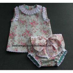 Conjunto blusa y cubrepañal lazo Audrey floral